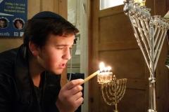 2018-12-04 Chanoeka dag 3 zoon Moshe Tvzi a