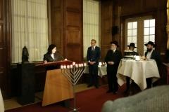 2018-11-28 Menorah aanbieden Den Haag 02