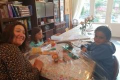2018-09-02 Kinderen kadootjes ouders voor Rosh Hashana